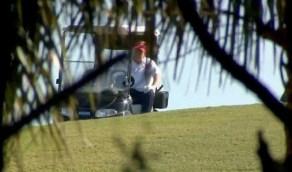 بالفيديو.. ترامب يمارس رياضة الجوف بعد تركه المنصب
