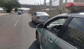 القبض على سائق متهور يراوغ بين المركبات على أحد الطرق بجدة