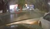 بالفيديو.. مفحط يتسبب في حادث مروع