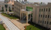 جامعة الملك خالد تعلق علي إجبار عضوة هيئة التدريس الطالبات على لبس معين