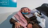 بالفيديو.. أمير القصيم يتلقى الجرعة الأولى من لقاح كورونا