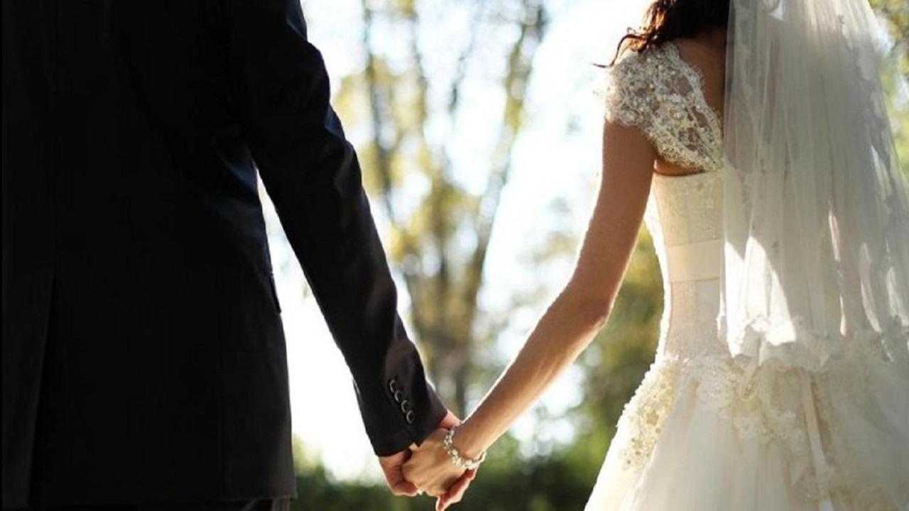 عروس تطلب من الضيوف التبرع بالمال في حفل زفافها
