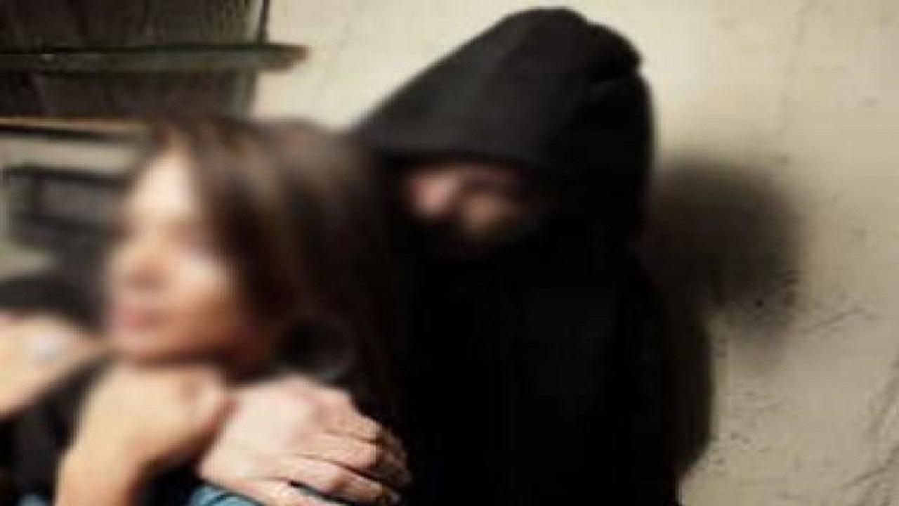 شاب يختطف خطيبته بعد رفض الأهل إتمام الزواج