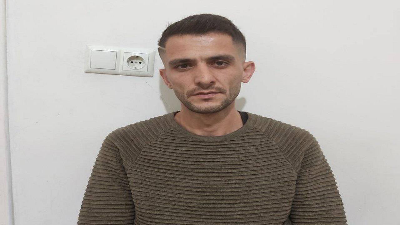 شاهد.. معارض إيراني يتعرض لمحاولة اغتيال في تركيا