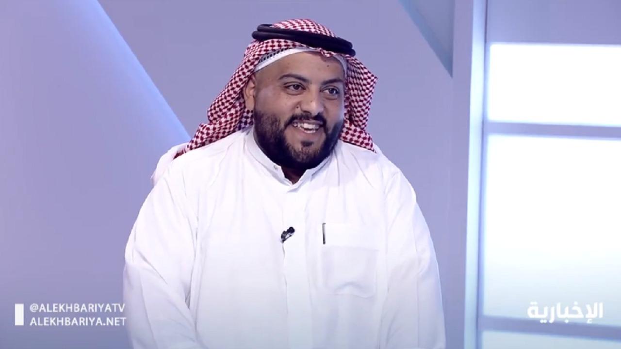 شاهد..ضابط يشكك في هوية مقيم مصري لإتقانه اللهجة القصيمية