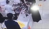 بالفيديو..امرأة تسرق كاشير في جدة بحيلة ماكرة
