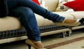 تليفزيون إيران يمنع النساء من وضع ساق على ساق بقرار رسمي !