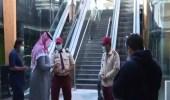 شاهد.. منع فريق قناة العربية من دخول مجمع تجاري