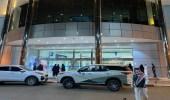 بالصور.. لحظة إغلاق مول شهير في الرياض
