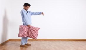 أسباب المشي أثناء النوم ونصائح هامة للمصابين