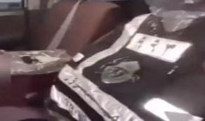 بالفيديو.. الإطاحة بـ عشريني جهز مركبته بتجهيزات عسكرية وعكس السير في الباحة