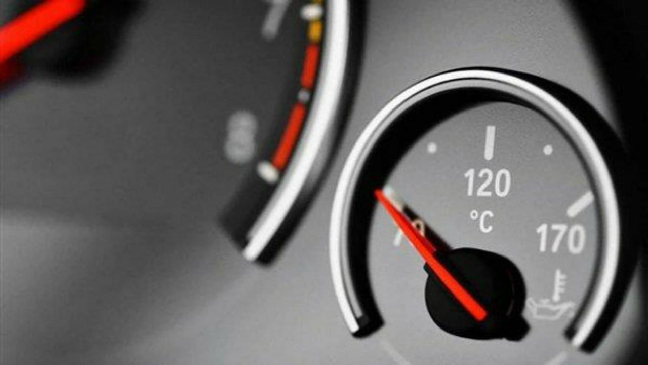 الكشف عن المدة الكافية لتسخين محرك السيارة في الشتاء