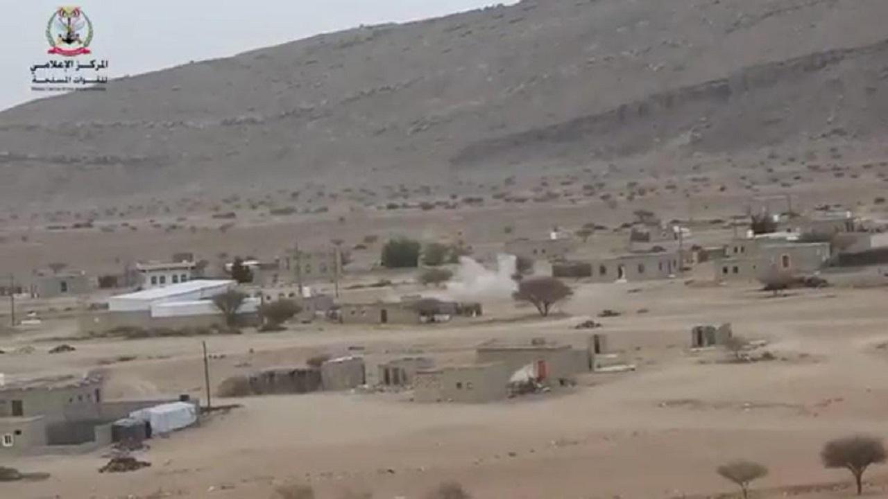 شاهد.. لحظة قصف ميليشيا الحوثي المدنيين في مأرب بالصواريخ والقذائف
