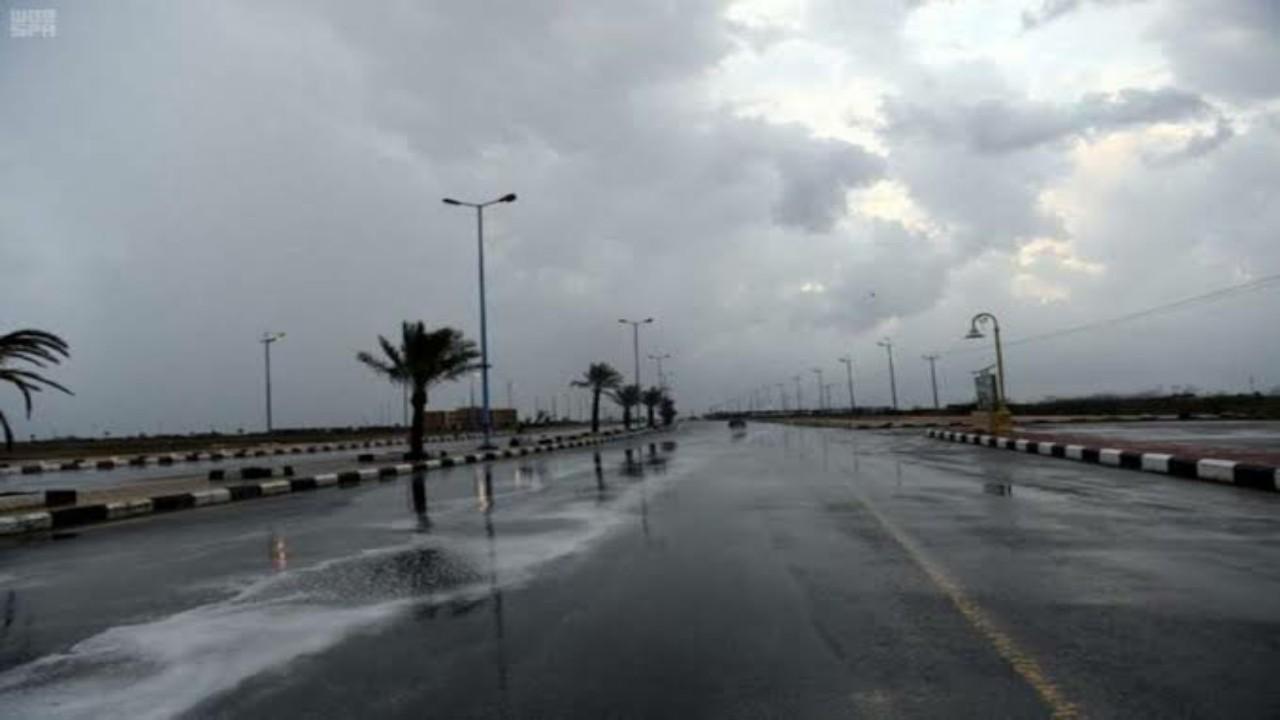 الحصيني يتوقع هطول أمطار رعدية على 5 مناطق