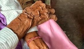 متهور ينتقم من عجوز ويغتصبها داخل منزلها