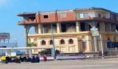 صورة لبناء منزل فوق مسجد تثير الجدل