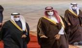 شاهد.. لحظة استقبال الأمير محمد بن سلمان لولي عهد البحرين لدى وصوله الرياض