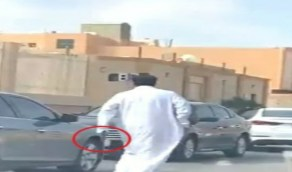 """شاهد.. لحظة إطلاق نار على مركز صحي في الرياض بسبب """" توكلنا """""""