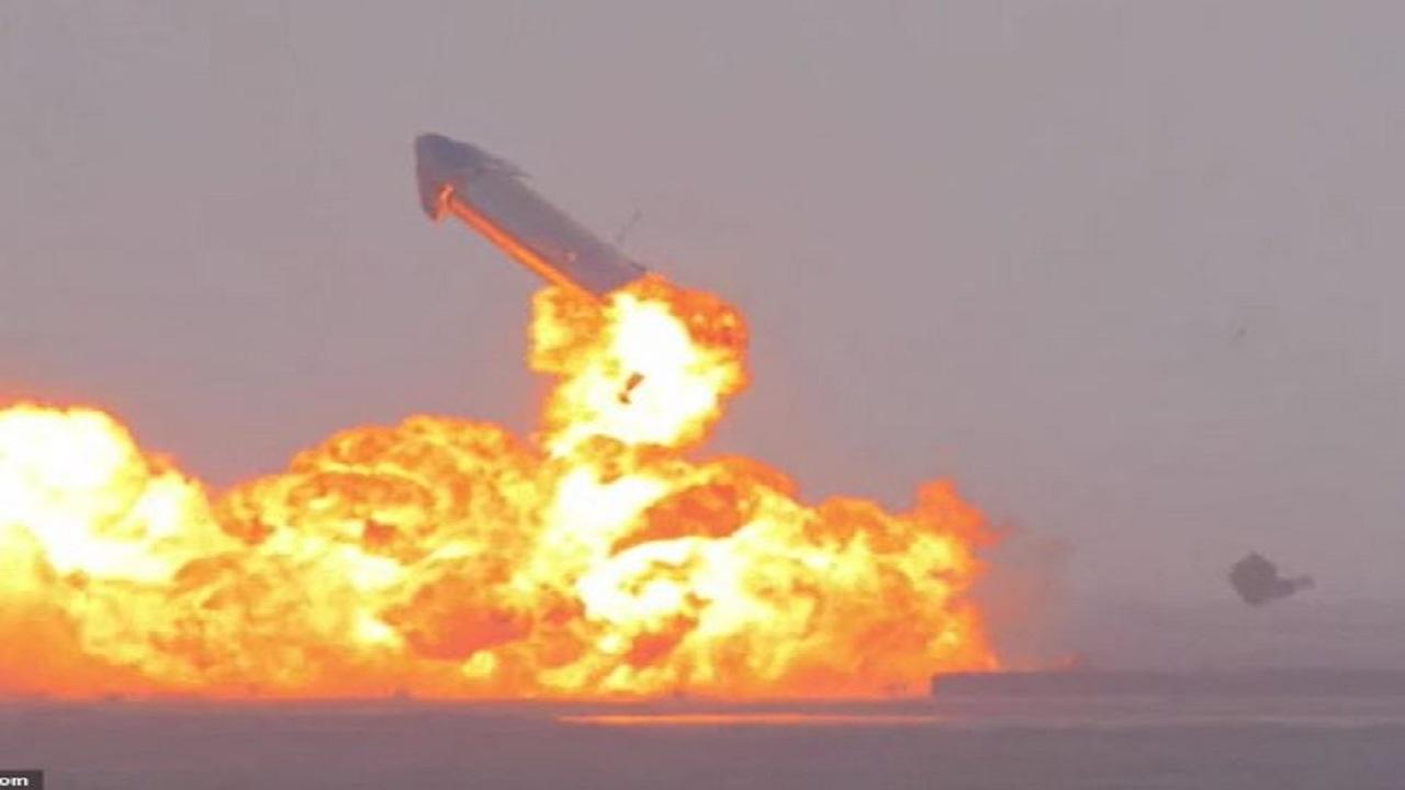 شاهد.. لحظة انفجار مركبة فضائية بعد دقائق من إقلاعها