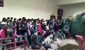 بالفيديو.. مصرع 7 طلاب إثر انهيار مدرج جامعة