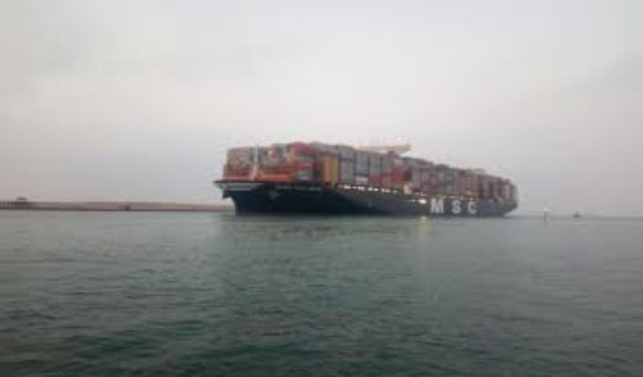 رسالة من رئيس قناة السويس إلى المملكة بعد حادث جنوح السفينة البنمية