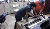 بالصور.. روبوت يعزف على البيانو في الأحساء