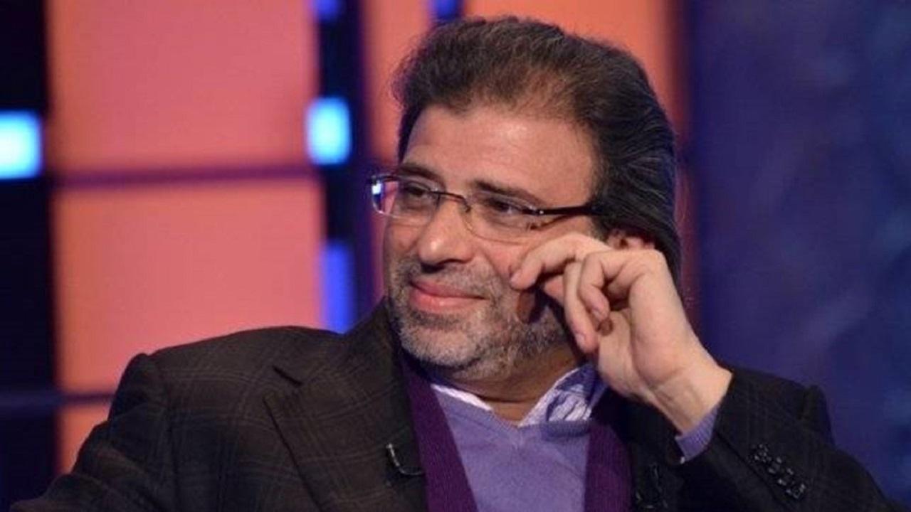"""خالد يوسف يعود إلى مصر بعد عامين من الهروب بسبب """"الفيديوهات الإباحية"""""""