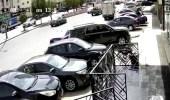 بالفيديو.. لحظة تصادم مركبة بسيارتين وإصابة قائد إحداهن بالرياض