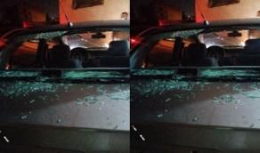 بالصور.. فتاة تحطم زجاج 15 مركبة