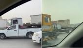 بالفيديو.. مخالفة جسيمة لقائد شاحنة يسير في أوقات المنع بالرياض