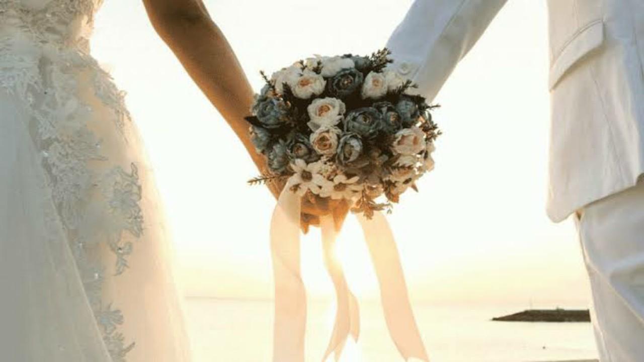 هروب عروسين من حفل زفافهما لسبب صادم