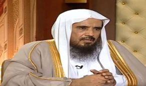 بالفيديو..الشيخ الخثلان يوضح حكم التسبيح بالسبحة