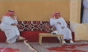 مقطع يعرض لأول مرة للملك فهد والملك سلمان في ضيافة الأمير عبدالعزيز