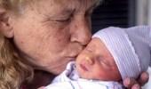 بالصور..امرأة تنجب طفلاً بعد بلوغها 57 عاماً