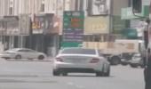 بالصور.. الإطاحة بقائد مركبة يراوغ بسيارته بين المركبات بالطائف