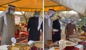 بالفيديو.. مواطن في الباحة يعد بوفيه مفتوح لاستقبال وزير الصحة