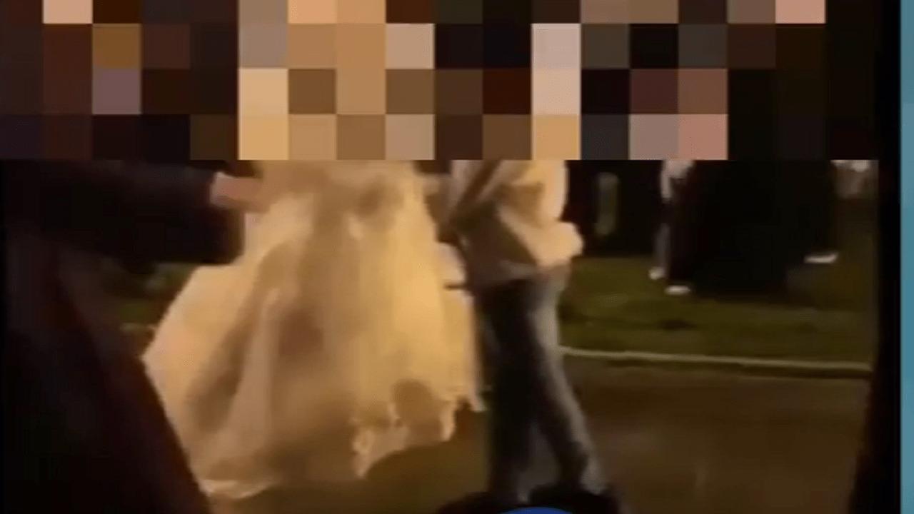 شاهد..إقامة حفل زفاف بأحد الشوارع الرئيسية في أبها