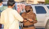 شرطة منطقة الجوف تتابع تطبيق بالإجراءات الاحترازية