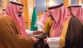 عبد الرحمن بن مساعد ينظم أبياتاً شعرية في ولي العهد