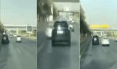 بالفيديو.. سائق مركبة يتجاوز سيارتين بطريقة متهورة في الرياض