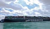 بالفيديو.. عبور السفن المنتظرة بسبب جنوح «إيفر غيفن» سيستغرق 3 أيام ونصف