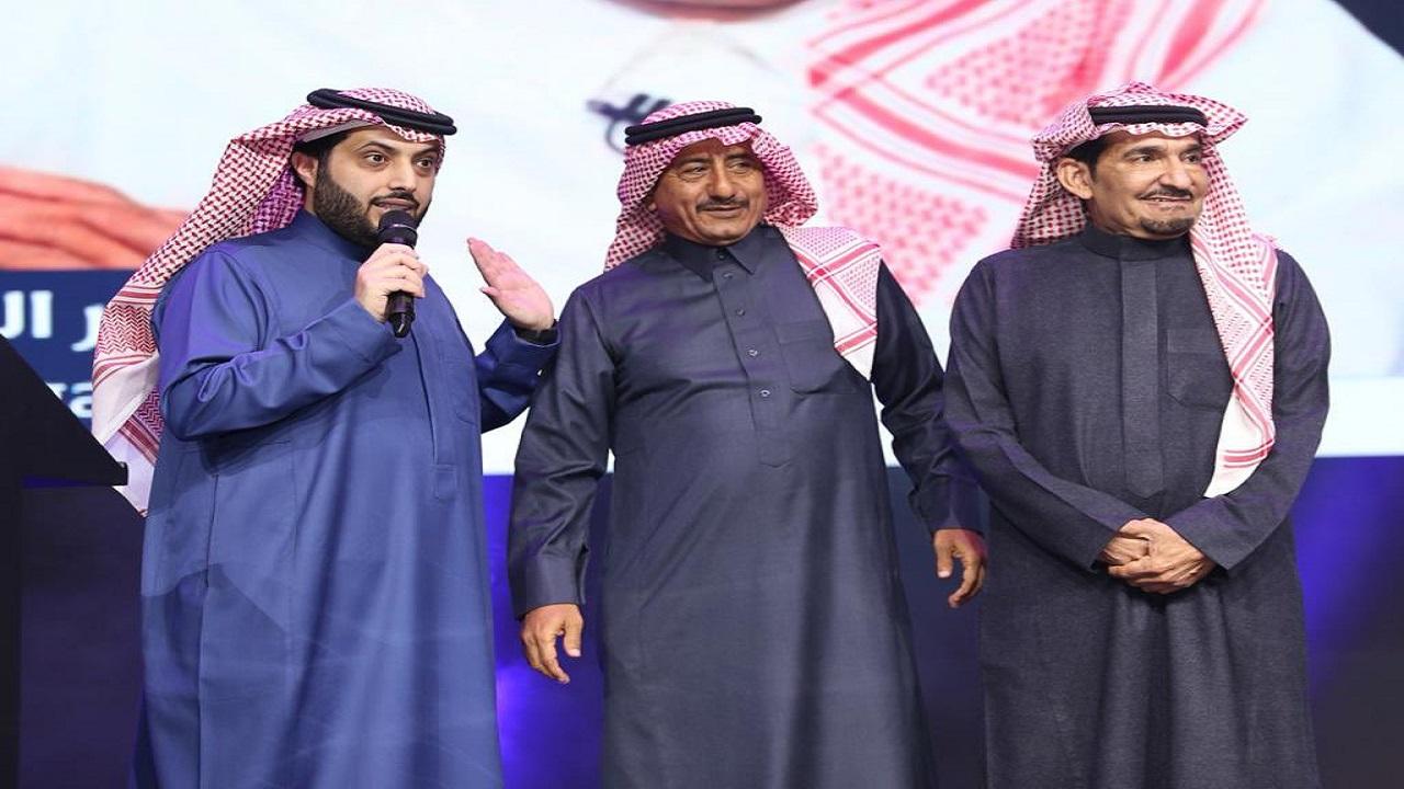"""آل الشيخ: """" أخيرًا اجتمع الهرمان بعد طول فراق """""""