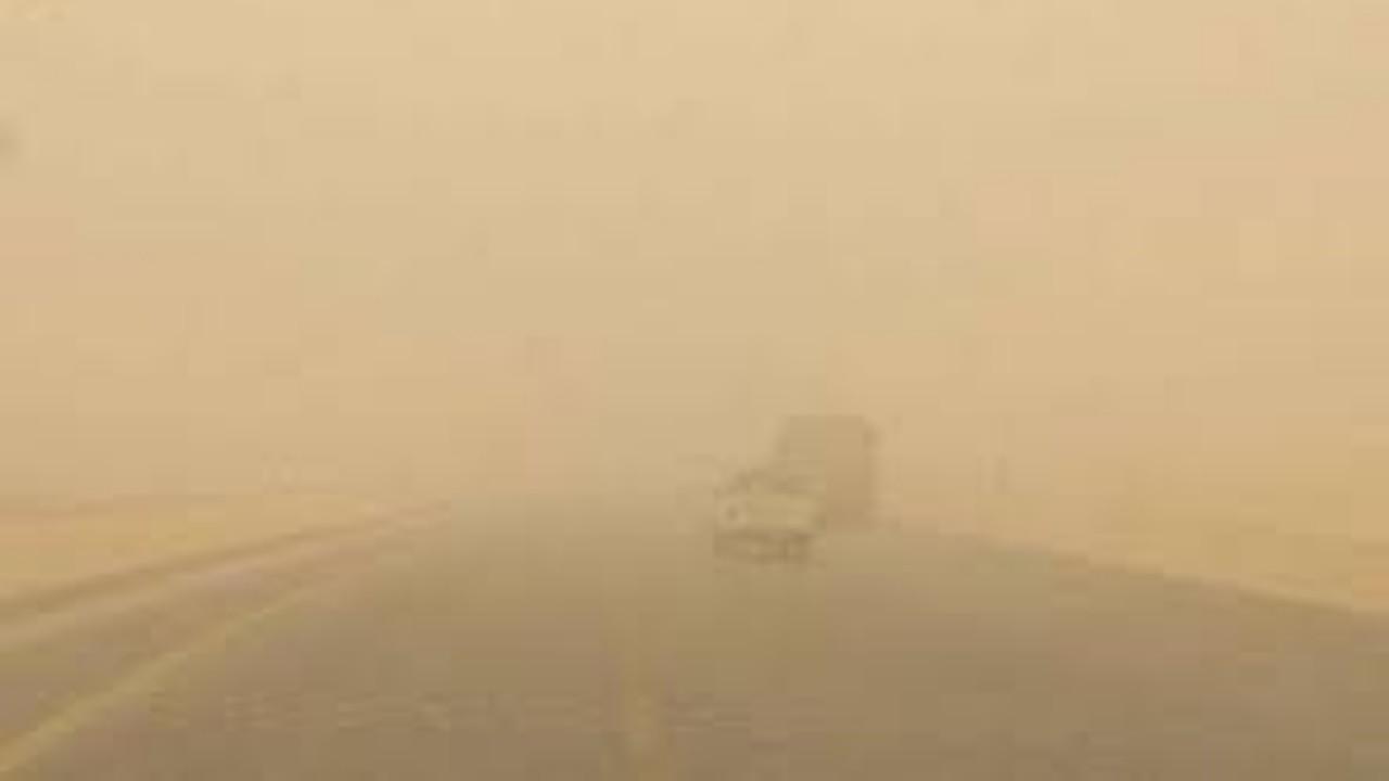 بالفيديو.. «الأرصاد»: ملايين الأطنان من الغبار ستبقي حتى نهاية الأسبوع على المنطقة الشرقية