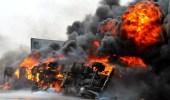 مليشيات الحوثي تحرق شاحنتي وقود بعد رفض دفع إتاوات بالحديدة