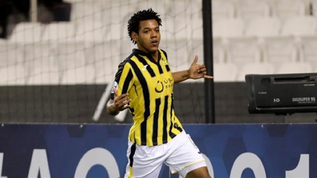 """""""الشهراني"""" و""""دا سيلفا"""" يتنافسان على لقب """"أفضل لاعب"""" بغرب آسيا"""