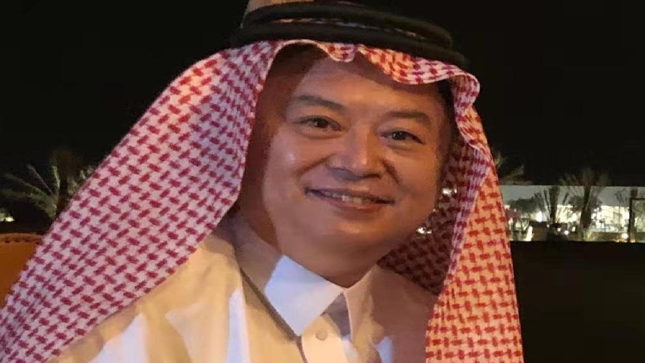 السفير الصيني بالرياض يحتفي بحلول رمضان مرتدياً الزي السعودي
