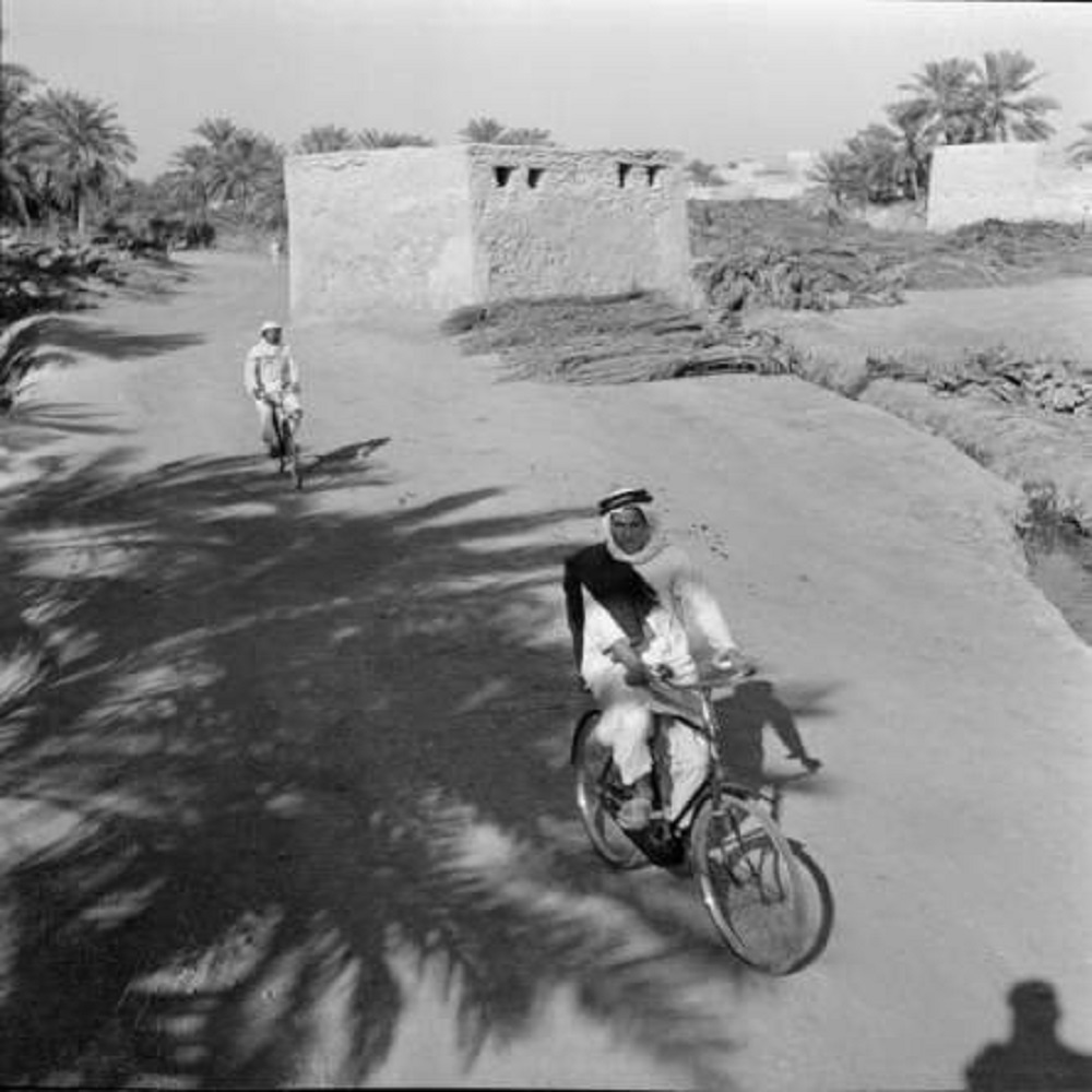 قيادة السياكل في القطيف قبل 74 عام