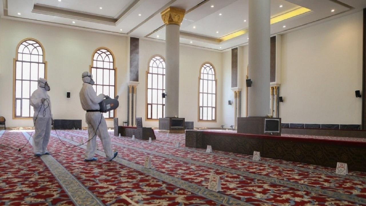إغلاق 11 مسجداً بعد ثبوت 11 إصابة بكورونا بين صفوف المصلين