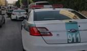 المرور يطبق النظام على مركبات مخالفة في حي الوزارات