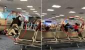 شاهد.. مشاجرة عنيفة وتبادل اللكمات بين الركاب داخل مطار